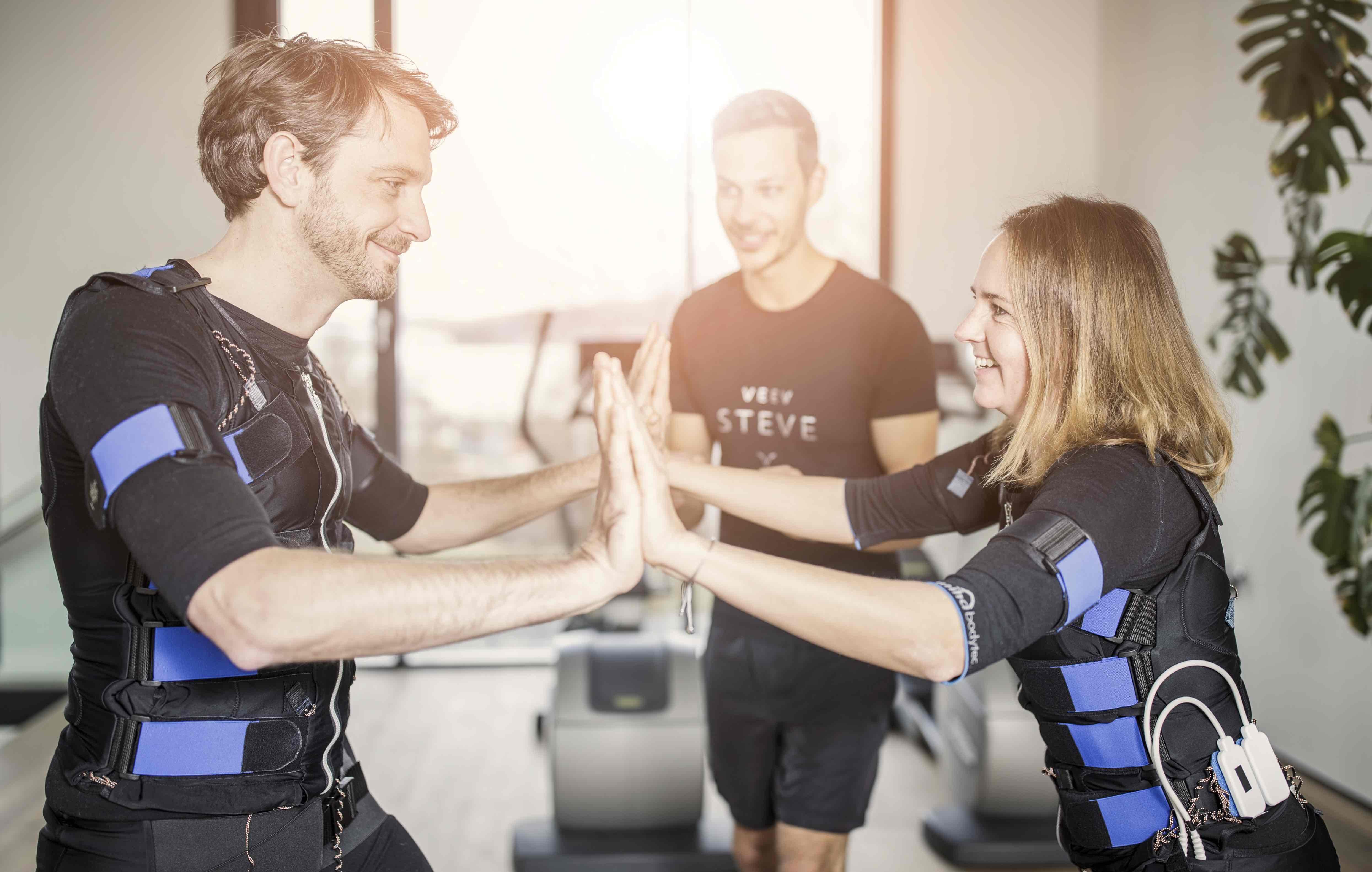 EMS Training stärkt den Rücken und verbrennt Fett